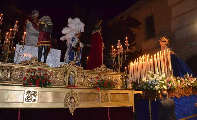'La Madrugá' talaverana del Cristo de la Sentencia emociona en Viernes Santo