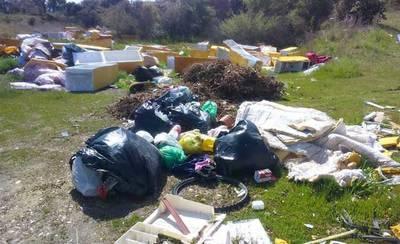 Denuncian la existencia de un vertedero ilegal en Talavera la Nueva