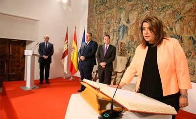 Agustina García promete su cargo como consejera de Fomento