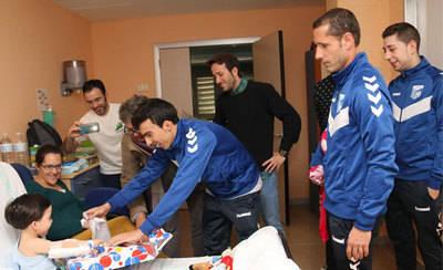 El Soliss FS visitó la planta de pediatría del Hospital de Talavera