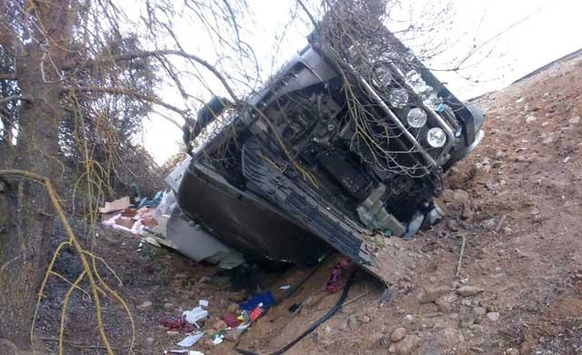 Un herido grave por el choque de un camión y una furgoneta en la A-5 a la altura de Cazalegas