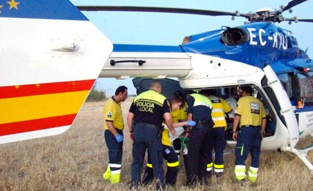 Imagen de archivo: helicóptero del SESCAM interviniendo en un aviso