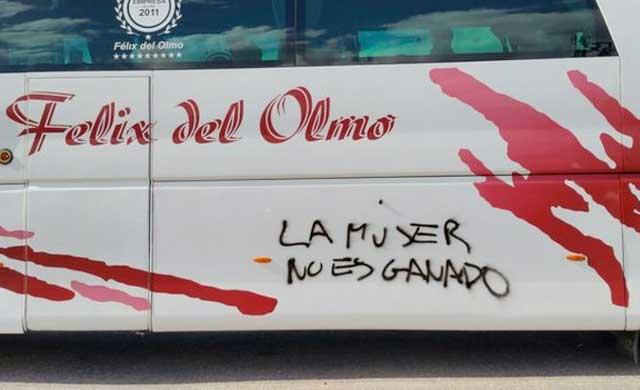 Pintada en Mérida en la 'caravana de mujeres'