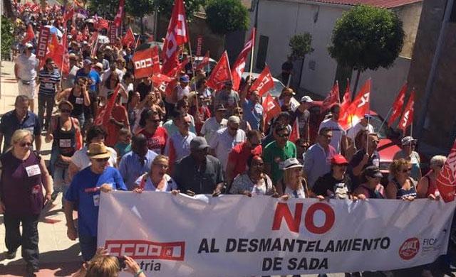 Cientos de personas se manifiestan contra el desmantelamiento de SADA