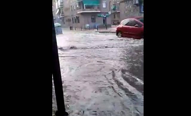 La tormenta caída en Toledo anega calles y avenidas (VÍDEO)