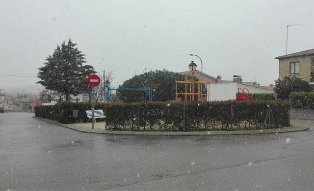 La nieve pilla por sorpresa a los vecinos de Segurilla y Mejorada (VIDEO)