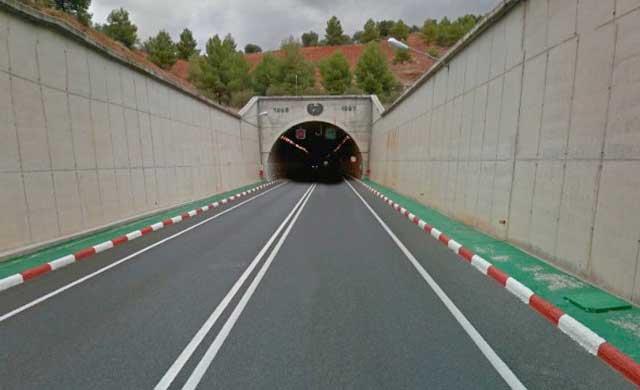 Firman un protocolo de actuación de emergencias en el túnel de Los Yébenes