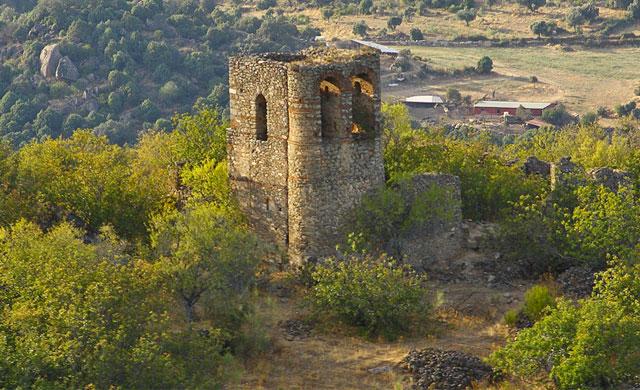 Encuentran el cadáver de un hombre en Castillo de Bayuela