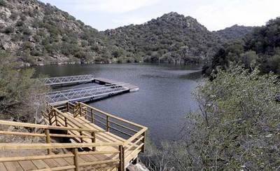 Diputación subastará el barco encargado por el PP para Ciudad de Vascos y llevará el expediente a los tribunales