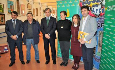 Caja Rural CLM entrega 6.000 euros a APACE para 'Abriendo caminos'
