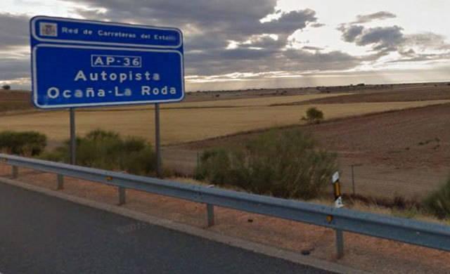 Fallece una mujer de 23 años tras la salida de vía de su vehículo en Ocaña