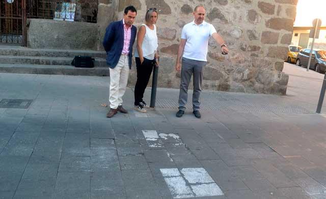 El PSOE pregunta por qué siguen las obras en la plaza del Reloj y la Corredera