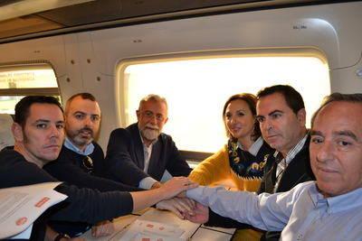 """Talavera muestra """"unidad de acción"""" con el 'Pacto Social por el Ferrocarril' y traslada sus peticiones a Madrid"""