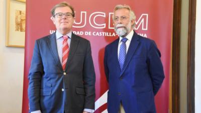 el rector de la UCLM (i) con el alcalde de Talavera, Jaime Ramos