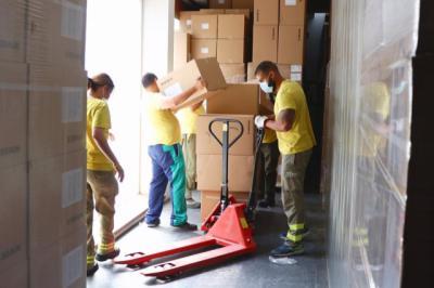 COVID   CLM distribuye una nueva remesa con más de 461.000 artículos de protección para profesionales sanitarios