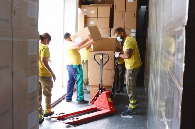 COVID | CLM distribuye una nueva remesa con más de 461.000 artículos de protección para profesionales sanitarios