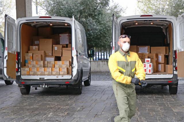 COVID-19 | El Gobierno regional distribuye cerca de 450.000 artículos de protección para sanitarios