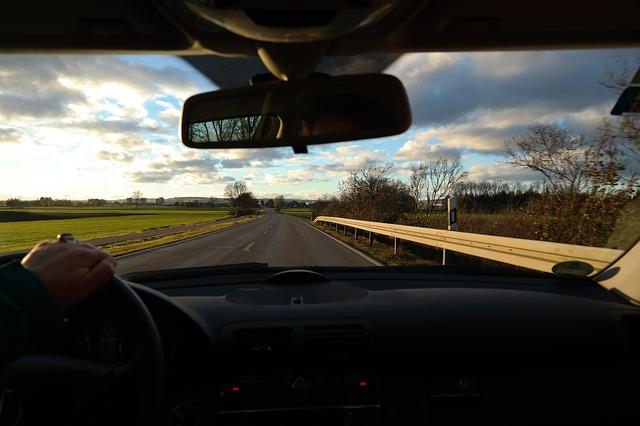 FASE 1 | ¿Cómo se puede ir en coche y en moto?