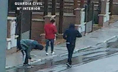 La Guardia Civil detiene a cinco personas por robo en viviendas