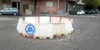 VIDEO. 'La eterna rotonda provisional' en Puerta de Cuartos
