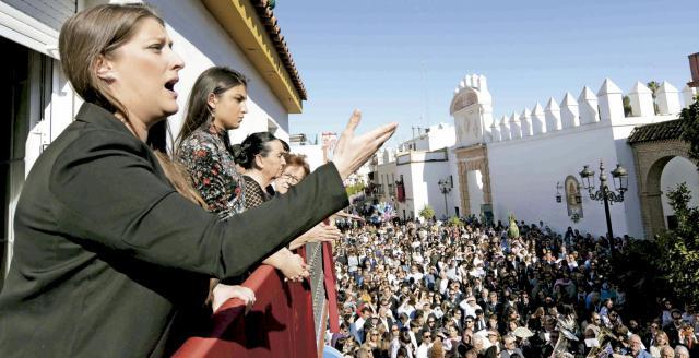 Sevilla se queda sin saetas, sin pasos y sin procesiones