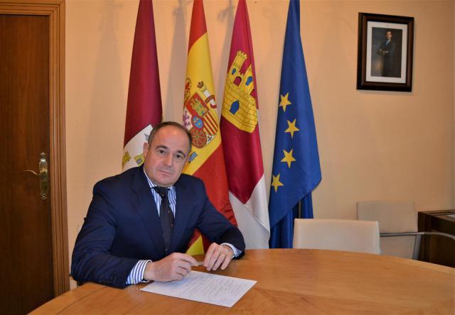 Sáez plantea una oficina de Asuntos Europeos que dirija la estrategia para que Albacete acapare fondos de la UE