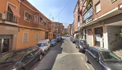 Dos septuagenarios heridos por dos azulejos desprendidos de una fachada de Talavera