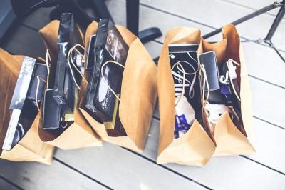 CLM | Los comercios podrán abrir los festivos 28 de junio y 12 de octubre