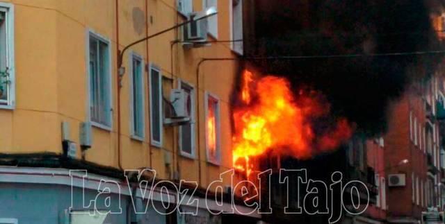 Incendio matinal en una vivienda de la Calle Ildefonso Fernández Sánchez