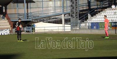 El C.F. Talavera cumple y saca los tres puntos ante el Azuqueca (2-1)