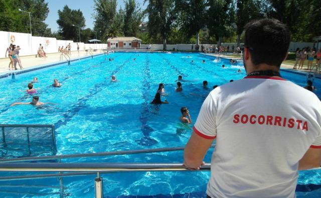 TALAVERA | Ofrecen formación gratuita de socorrista y de monitor de natación