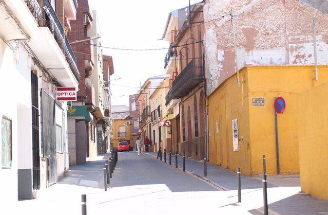 BUENA GENTE | Un matrimonio encuentra y devuelve un bolso con 355 euros