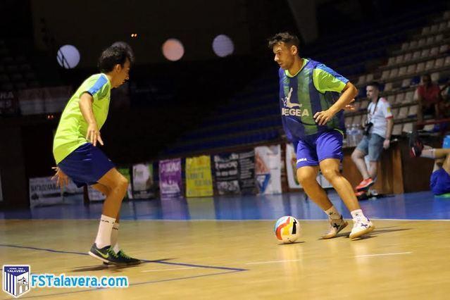 Los jugadores del Soliss FS Talavera entrenando