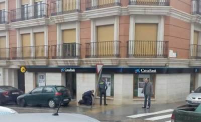 Muere de un disparo el director de una sucursal bancaria en La Solana