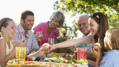 COVID-19 | El peligro de las reuniones con familiares y amigos: cómo evitar contagios