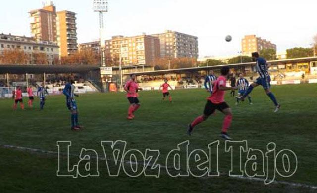 Al CF Talavera le falta un Sergio Ramos, empatan ante la UD Almansa