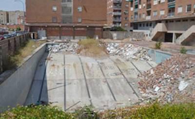 El solar de la antigua piscina de La Solana, en 'estado de abandono'