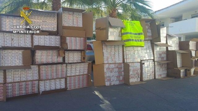 La Guardia Civil incauta 32.480 cajetillas de tabaco, dejando 14 detenidos y 5 investigados
