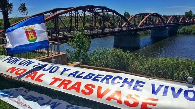 TRASVASE | El PSOE mantiene viva la defensa del agua en la agenda política de Talavera