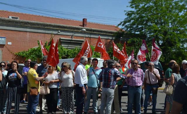 Un centenar de personas se manifiestan en Talavera para exigir la modernización del tren