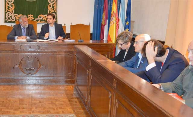 Ramos abandona 'al segundo punto' la reunión del decálogo