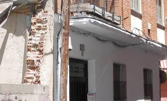 Un amplio dispositivo de la Guardia Civil detiene a dos magrebíes en una vivienda de Talavera