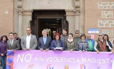 El Ayuntamiento se concentra de nuevo contra la violencia de género