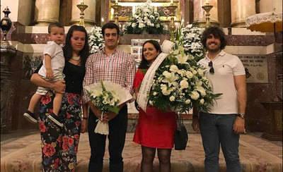 NNGG realiza una ofrenda floral a la Virgen del Prado por 60 aniversario de su coronación