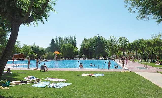 Las piscinas municipales abrirán este jueves al público en Talavera