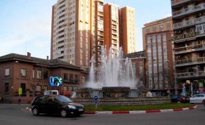 Adiós a la rotonda de la Plaza de España y su emblemática fuente
