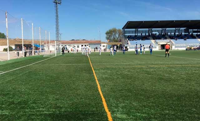 El C.F. Talavera no tira el liderato y vence al Illescas (1-2)