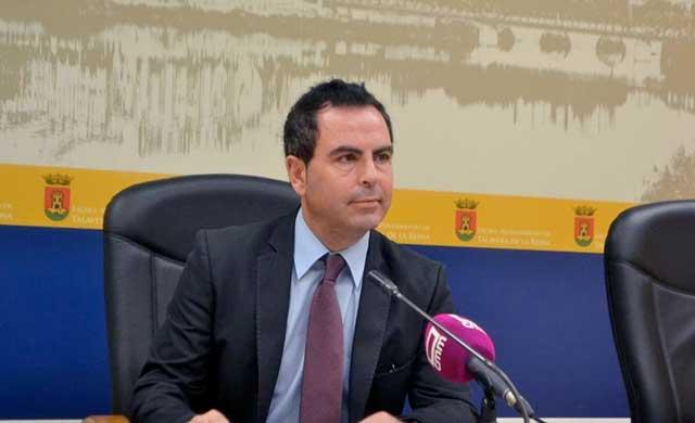 PSOE pide a Ramos que asuma personalmente la Concejalía de Empleo