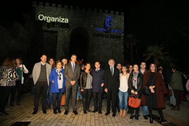Talavera resplandece durante la proyección del vídeo mapping dedicado al 40 Aniversario de la Constitución