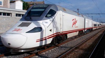Fallece una persona tras ser atropellada por un tren en Calera y Chozas